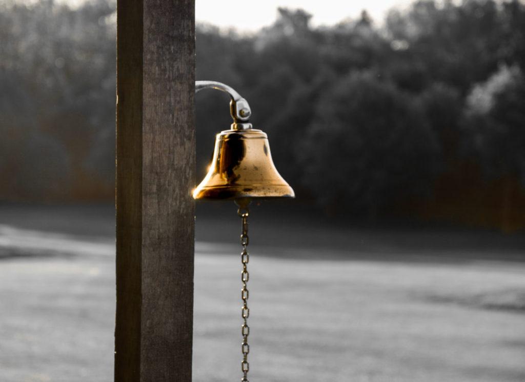 Fairway warning bell